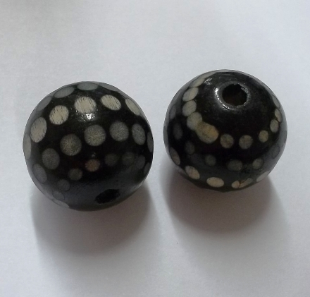 Wooden Black Spotty Round