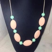 Teething Necklace Peach/Mint